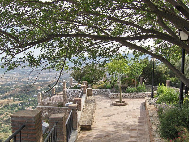 La Muralla de Mijas, Mirador y Jardines